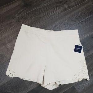 🍒 Kaari blue flowy embroidered shorts